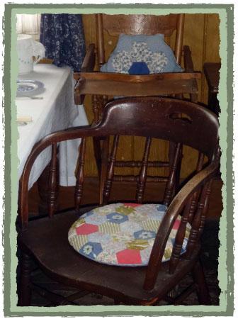High chair with vintage hexagon cushion